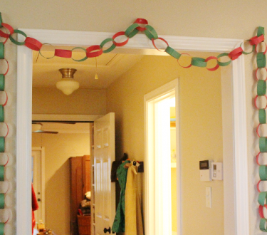 How to Make Paper Chains with Toddlers