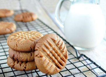 20 Keto Desserts Your Family Will Devour!
