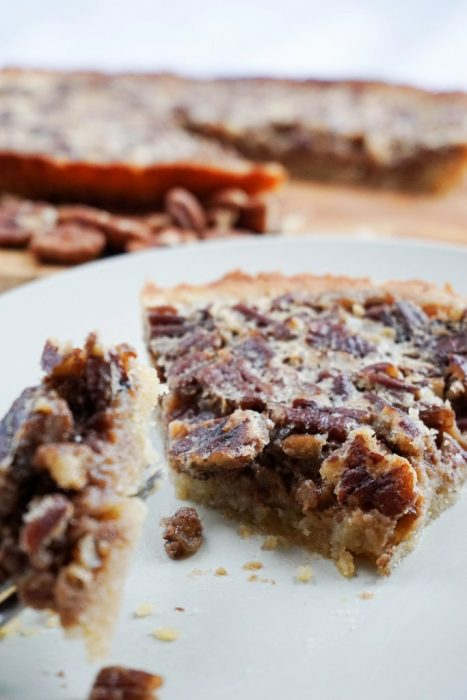 low-carb-pecan-pie-final-467x700