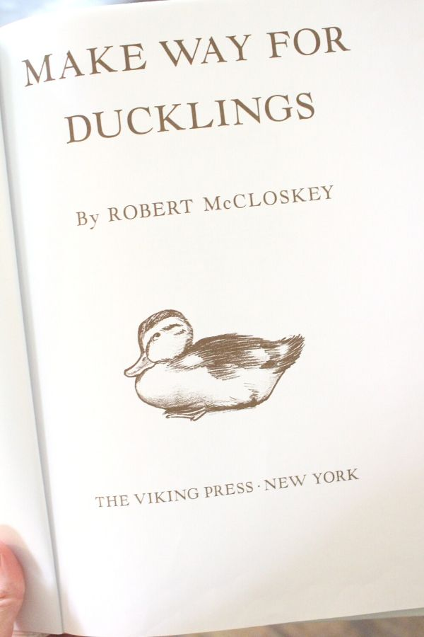 make way for ducklings book title page