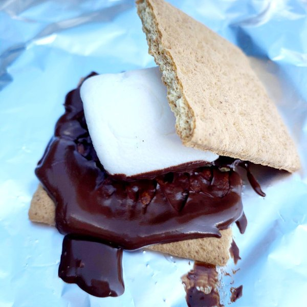 melted how to make a s'more cooked by the sun
