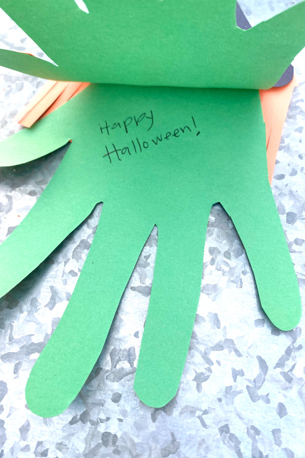 a note inside the halloween paper craft card