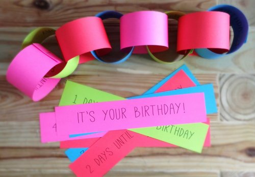 paper chains in bright colors displayed as a birthday countdown