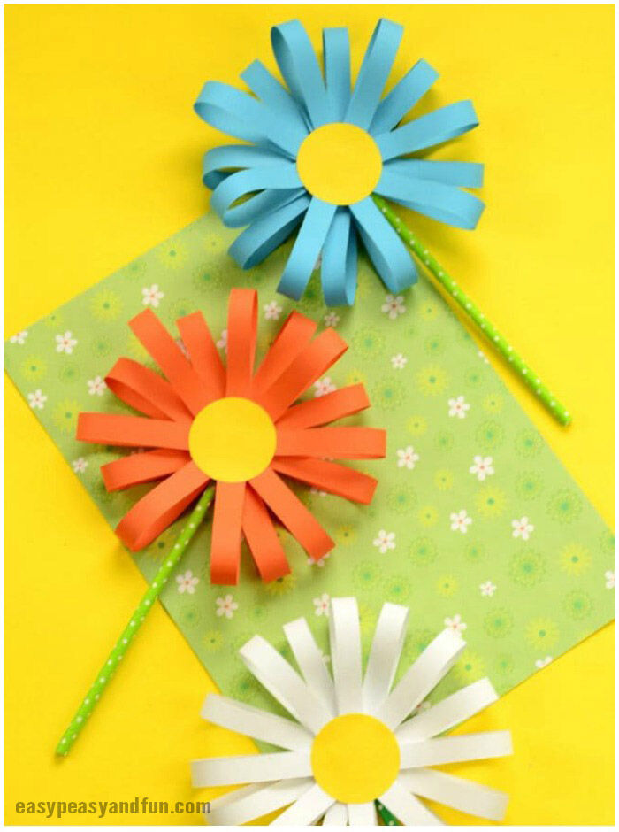 simple paper flower craft promo image from Easy Peasy fun